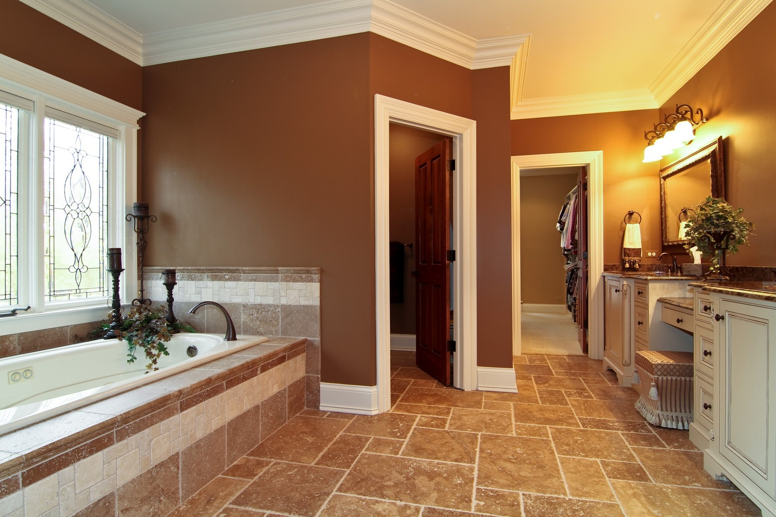 Real Estate Photography - 810 Fox Glen Drive, St. Charles, IL, 60174 - Master Bathroom