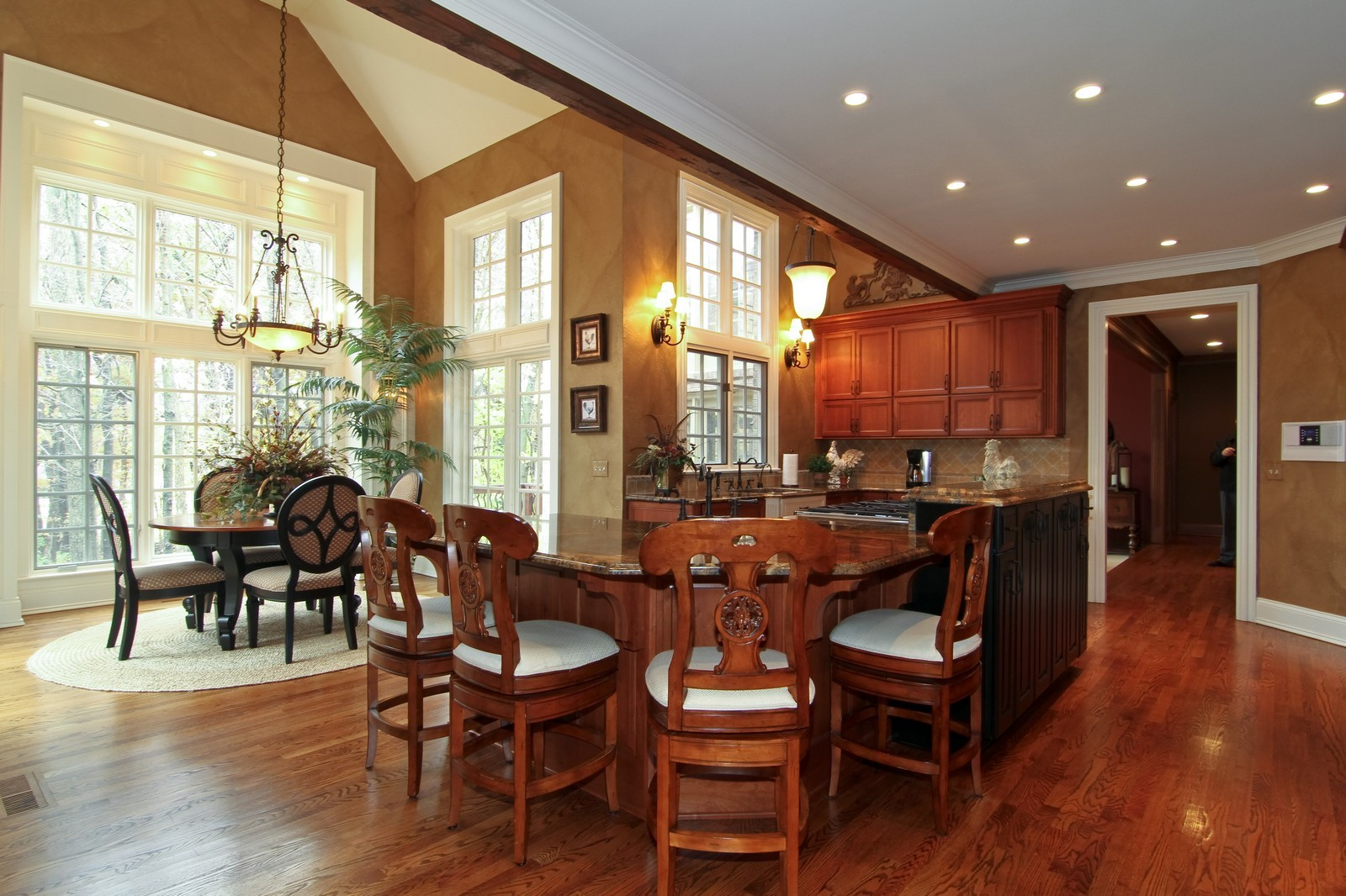 Real Estate Photography - 810 Fox Glen Drive, St. Charles, IL, 60174 - Kitchen / Breakfast Room