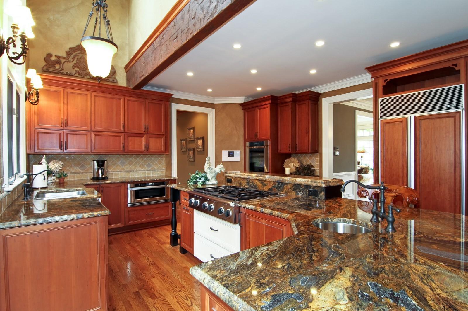 Real Estate Photography - 810 Fox Glen Drive, St. Charles, IL, 60174 - Kitchen