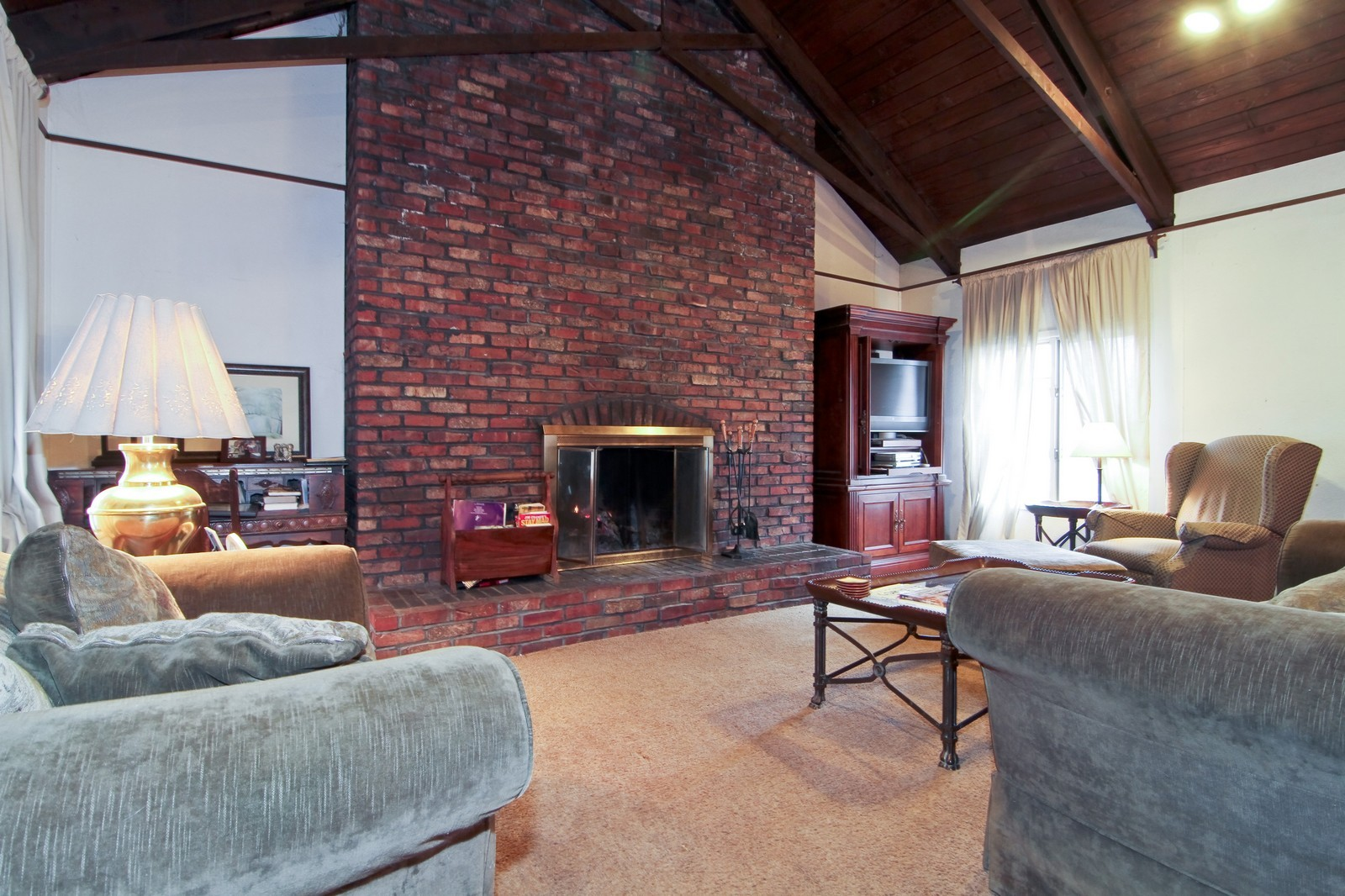 Real Estate Photography - 744 N. Indiana St., Elmhurst, IL, 60126 - Family Room
