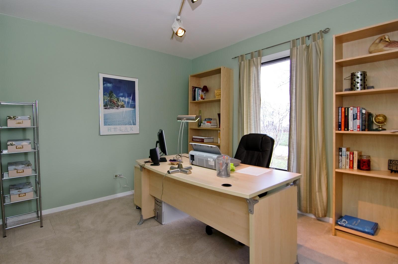 Real Estate Photography - 3813 Shenandoah Drive, Crystal Lake, IL, 60012 - 2nd Bedroom