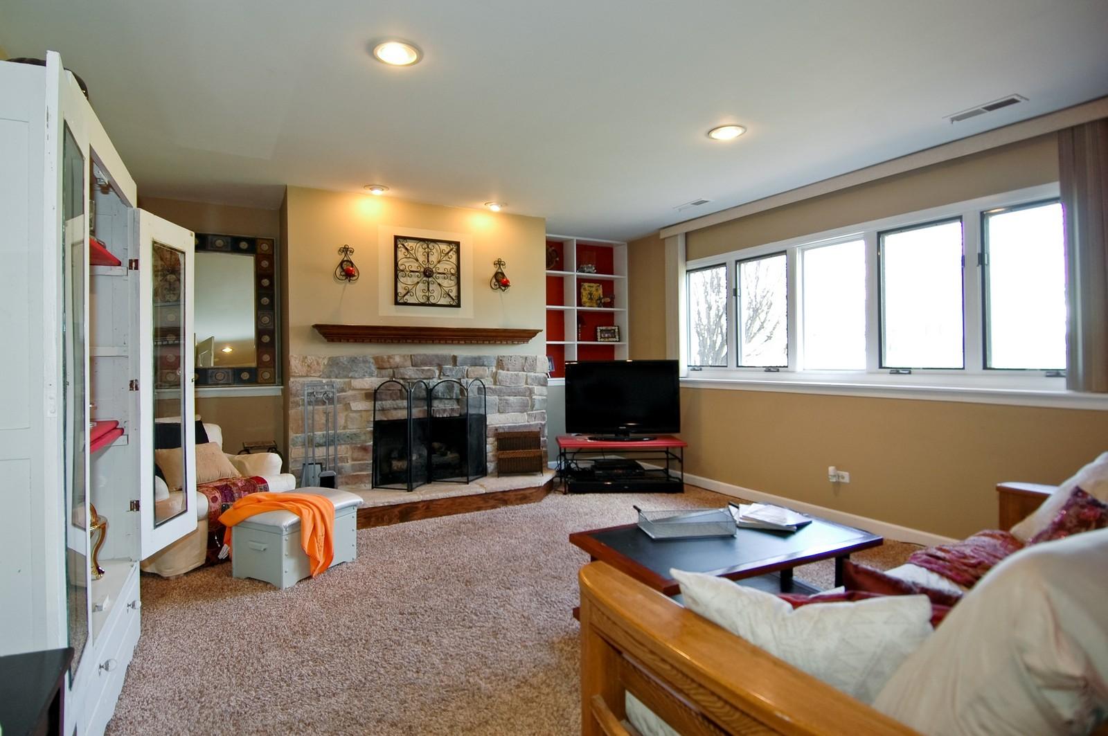 Real Estate Photography - 3813 Shenandoah Drive, Crystal Lake, IL, 60012 - Family Room