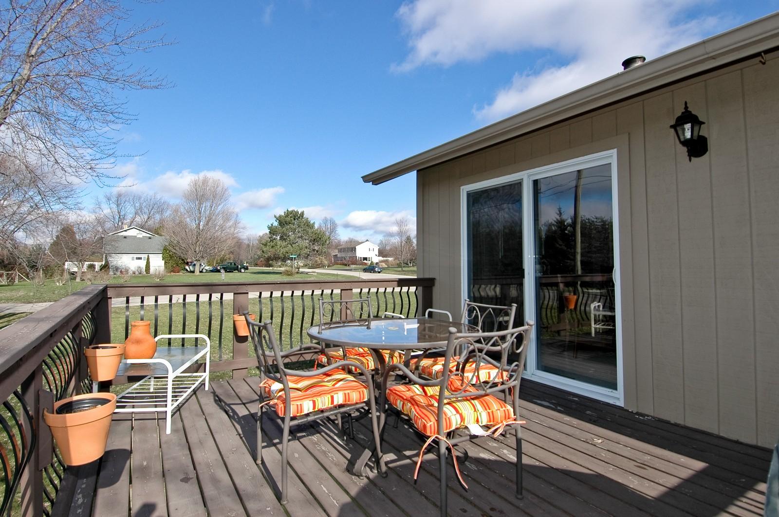 Real Estate Photography - 3813 Shenandoah Drive, Crystal Lake, IL, 60012 - Deck