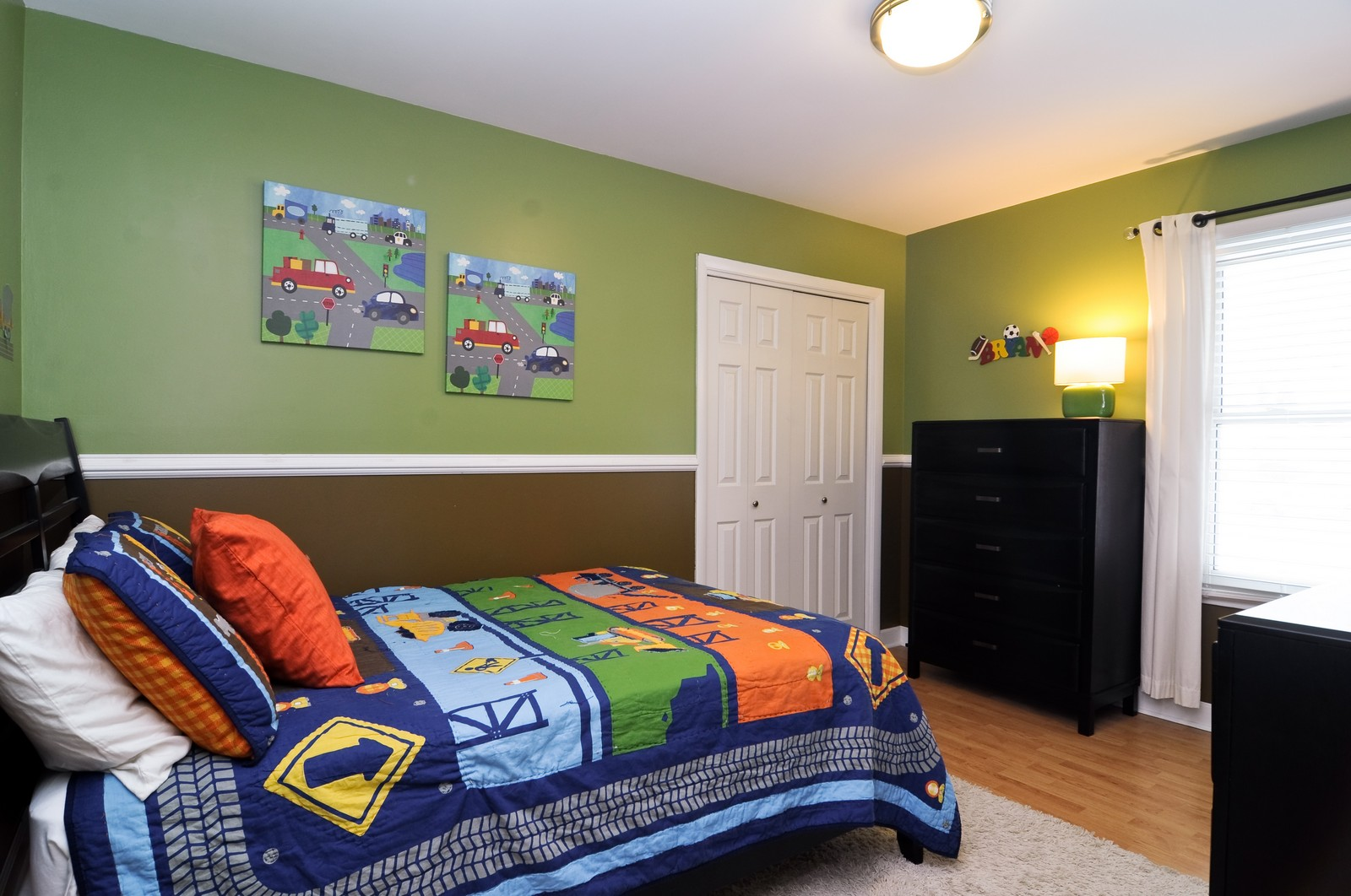 Real Estate Photography - 1615 Chippendale Rd, Hoffman Estates, IL, 60195 - 2nd Bedroom