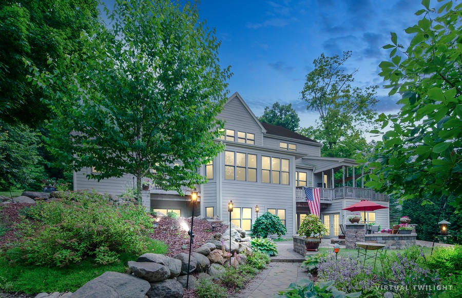 Real Estate Photography - 1511 N. River Road, Algonquin, IL, 60102 - Front View