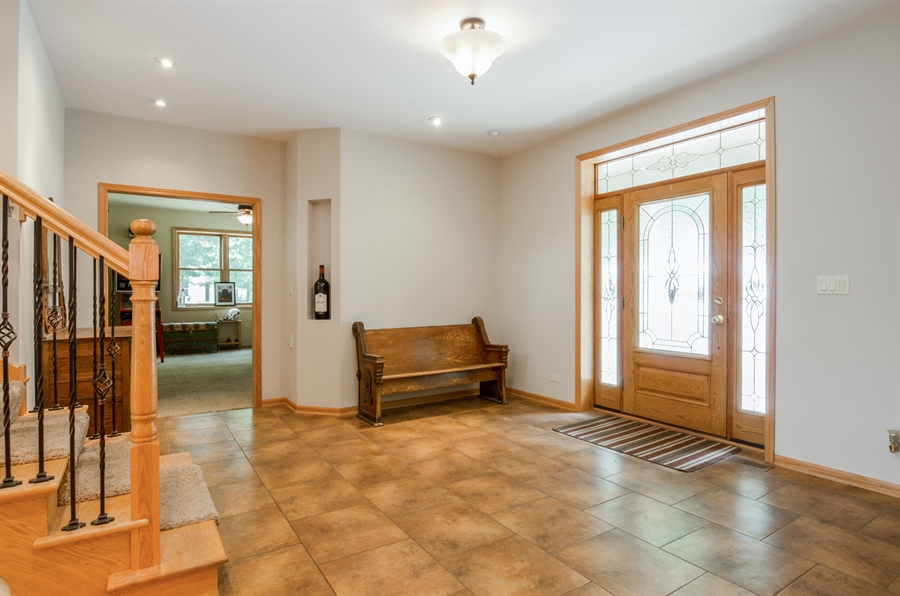 Real Estate Photography - 1511 N. River Road, Algonquin, IL, 60102 - Foyer