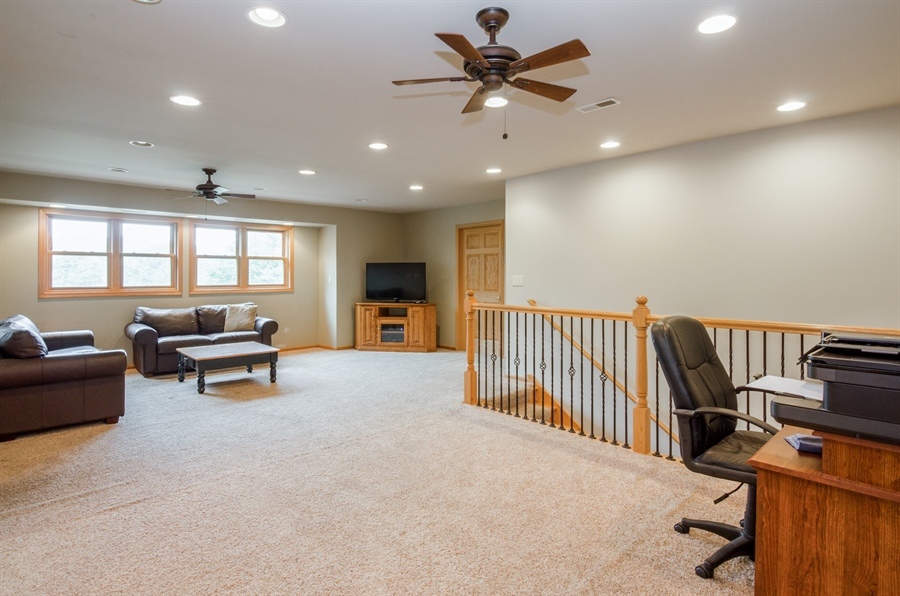 Real Estate Photography - 1511 N. River Road, Algonquin, IL, 60102 - Loft