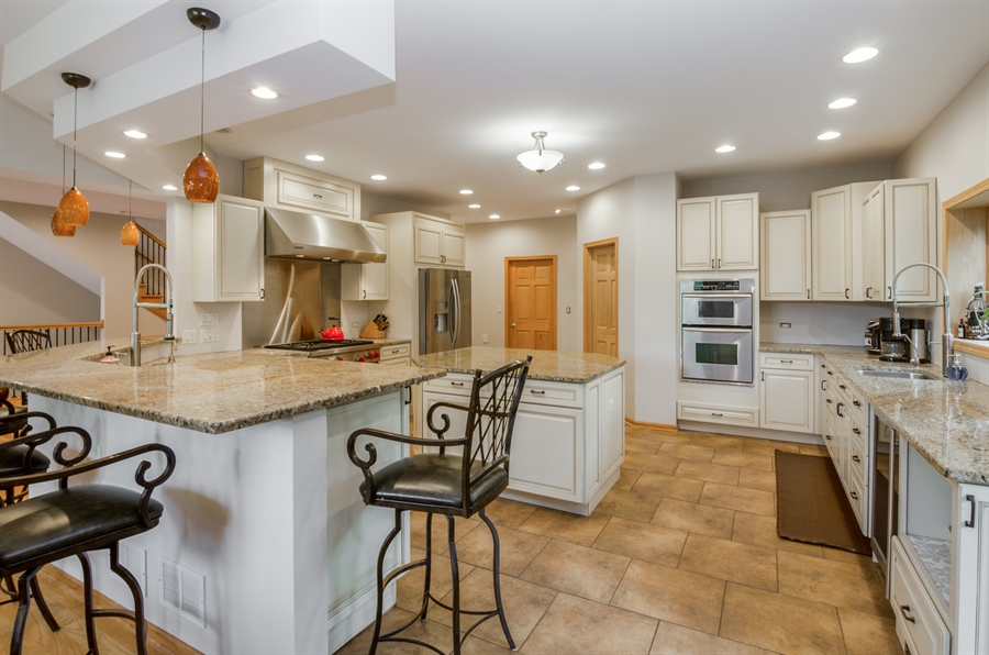 Real Estate Photography - 1511 N. River Road, Algonquin, IL, 60102 - Kitchen