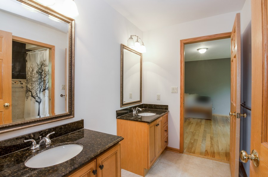 Real Estate Photography - 1511 N. River Road, Algonquin, IL, 60102 - 2nd Bathroom