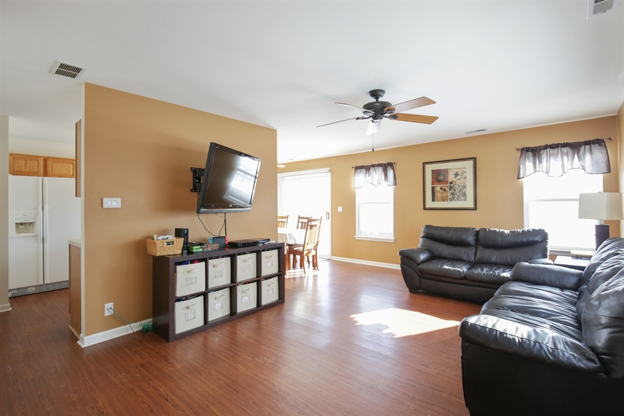 Real Estate Photography - 301 Wedgewood Circle, Lake In The Hills, IL, 60156 - Living Room