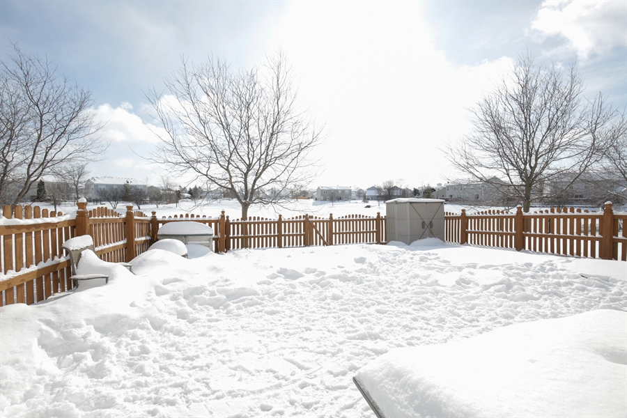 Real Estate Photography - 301 Wedgewood Circle, Lake In The Hills, IL, 60156 - Back Yard