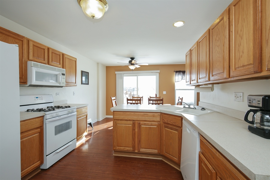 Real Estate Photography - 301 Wedgewood Circle, Lake In The Hills, IL, 60156 - Kitchen
