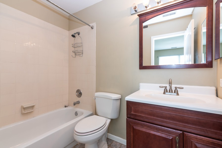 Real Estate Photography - 239 Partridge, Algonquin, IL, 60102 - Master Bathroom