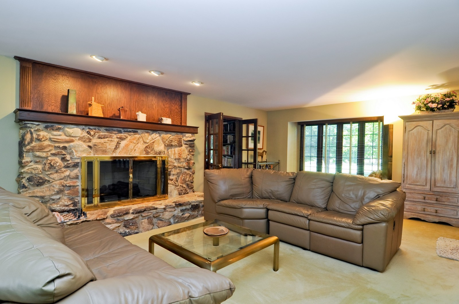 Real Estate Photography - 33 Little Bend, Barrington Hills, IL, 60010 - Family Room