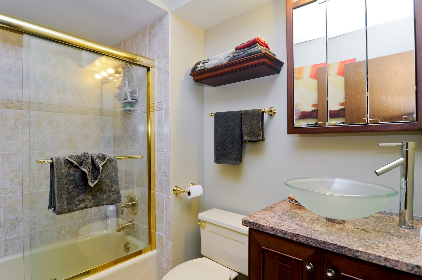 Real Estate Photography - 33 Little Bend, Barrington Hills, IL, 60010 - Bathroom