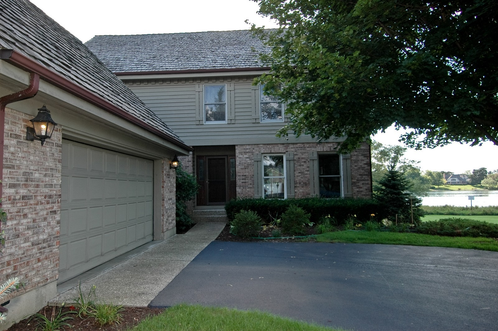 Real Estate Photography - 9409 Loch Glen Court, Lakewood, IL, 60014 - Front View