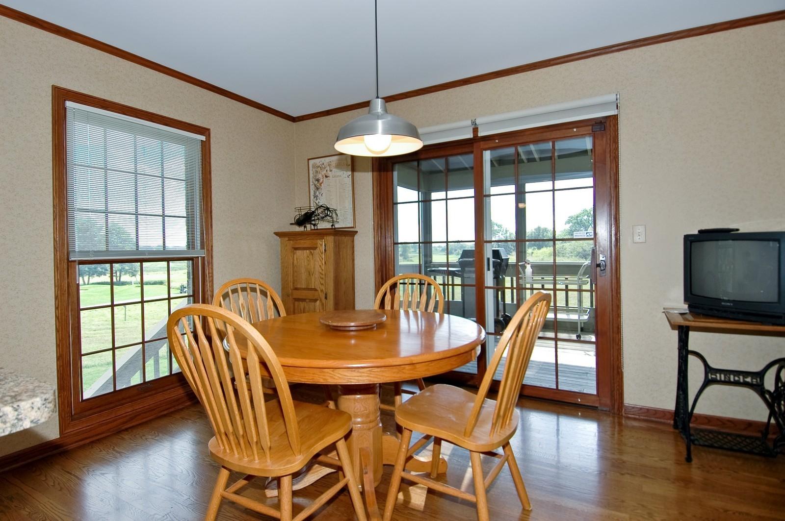 Real Estate Photography - 9409 Loch Glen Court, Lakewood, IL, 60014 - Breakfast Nook