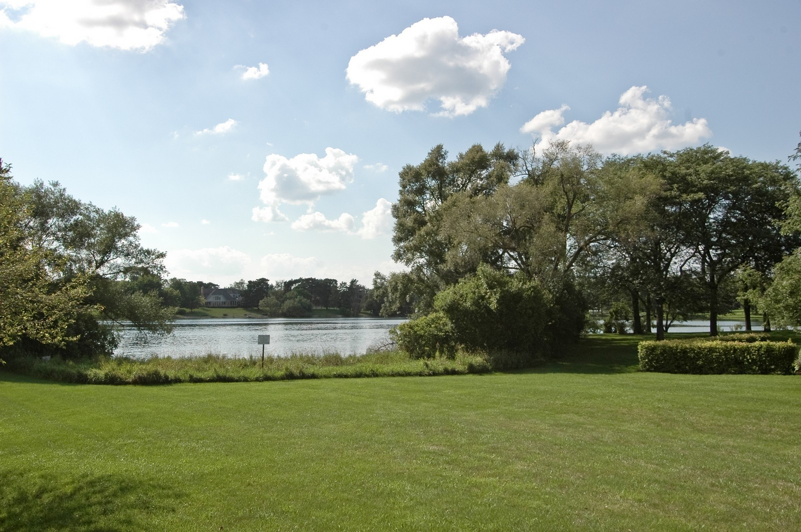Real Estate Photography - 9409 Loch Glen Court, Lakewood, IL, 60014 - Lake View