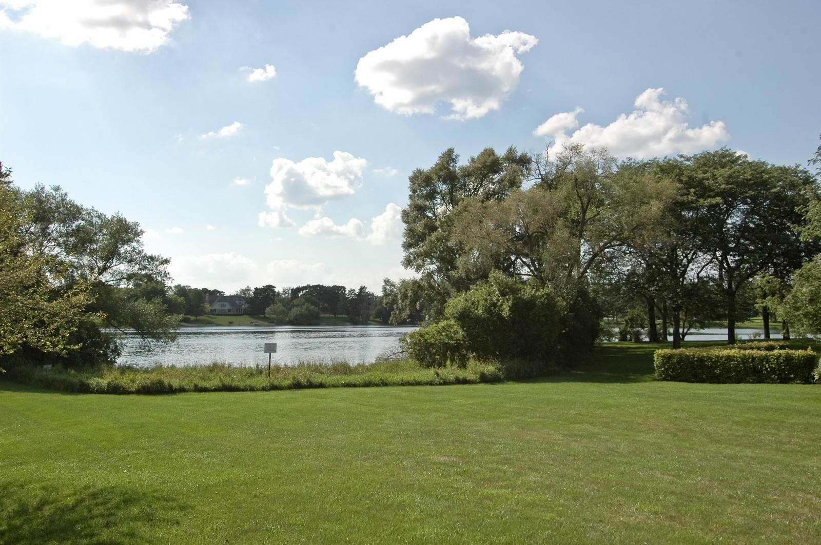 Real Estate Photography - 9409 Loch Glen Court, Lakewood, IL, 60014 - Lake View