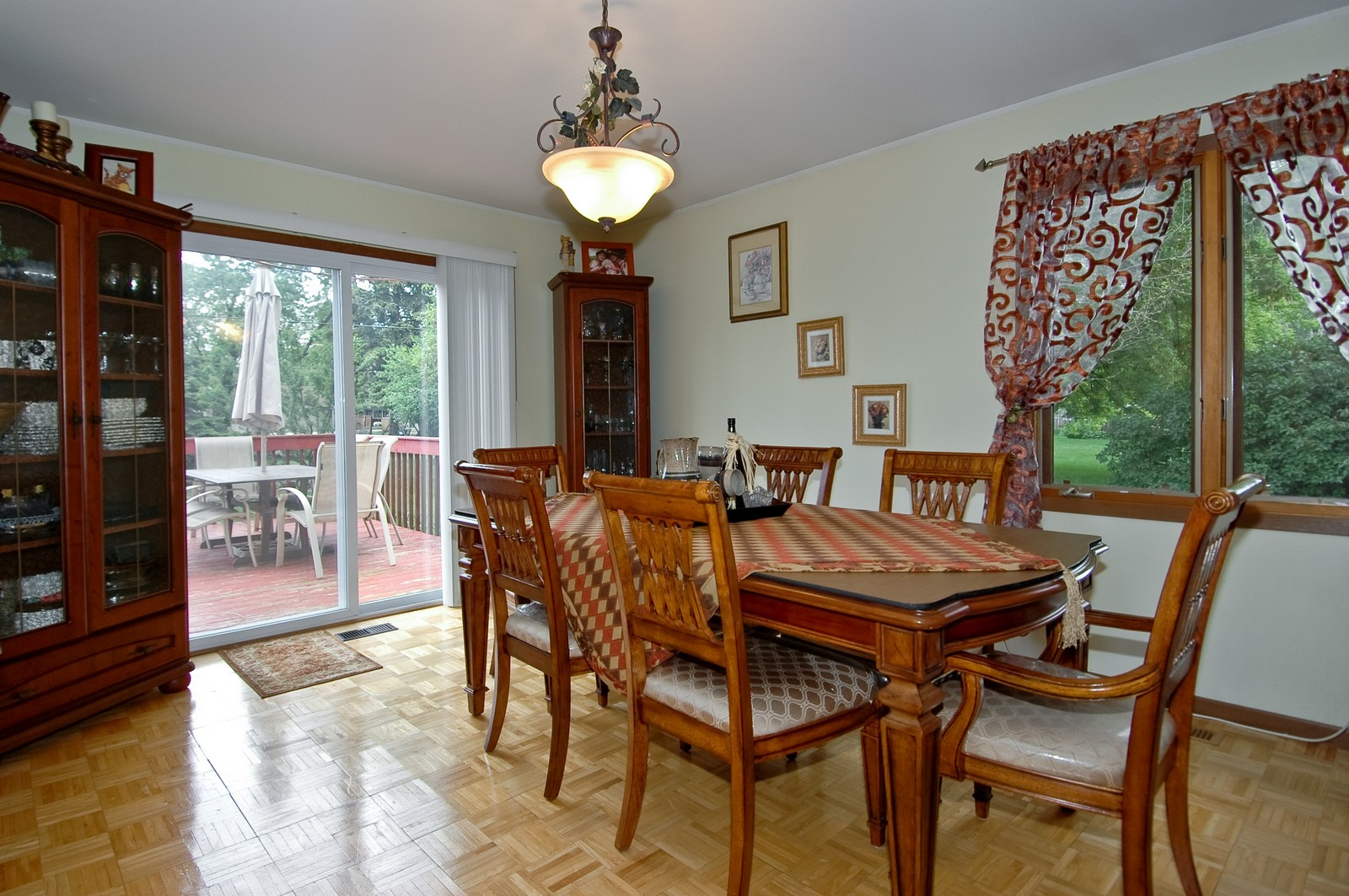 Real Estate Photography - 1364 Thornwood Ln, Crystal Lake, IL, 60014 - Family Room