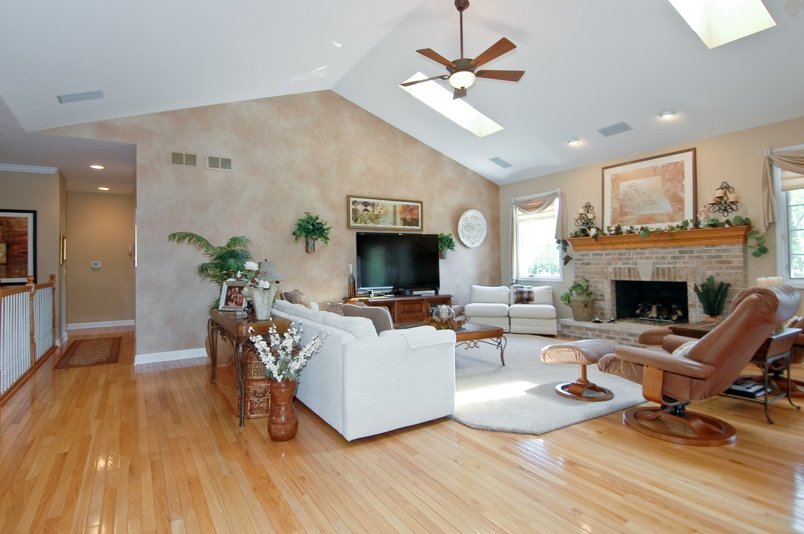 Real Estate Photography - 8719 Shade Tree Circle, Village of Lakewood, IL, 60014 - Living Room