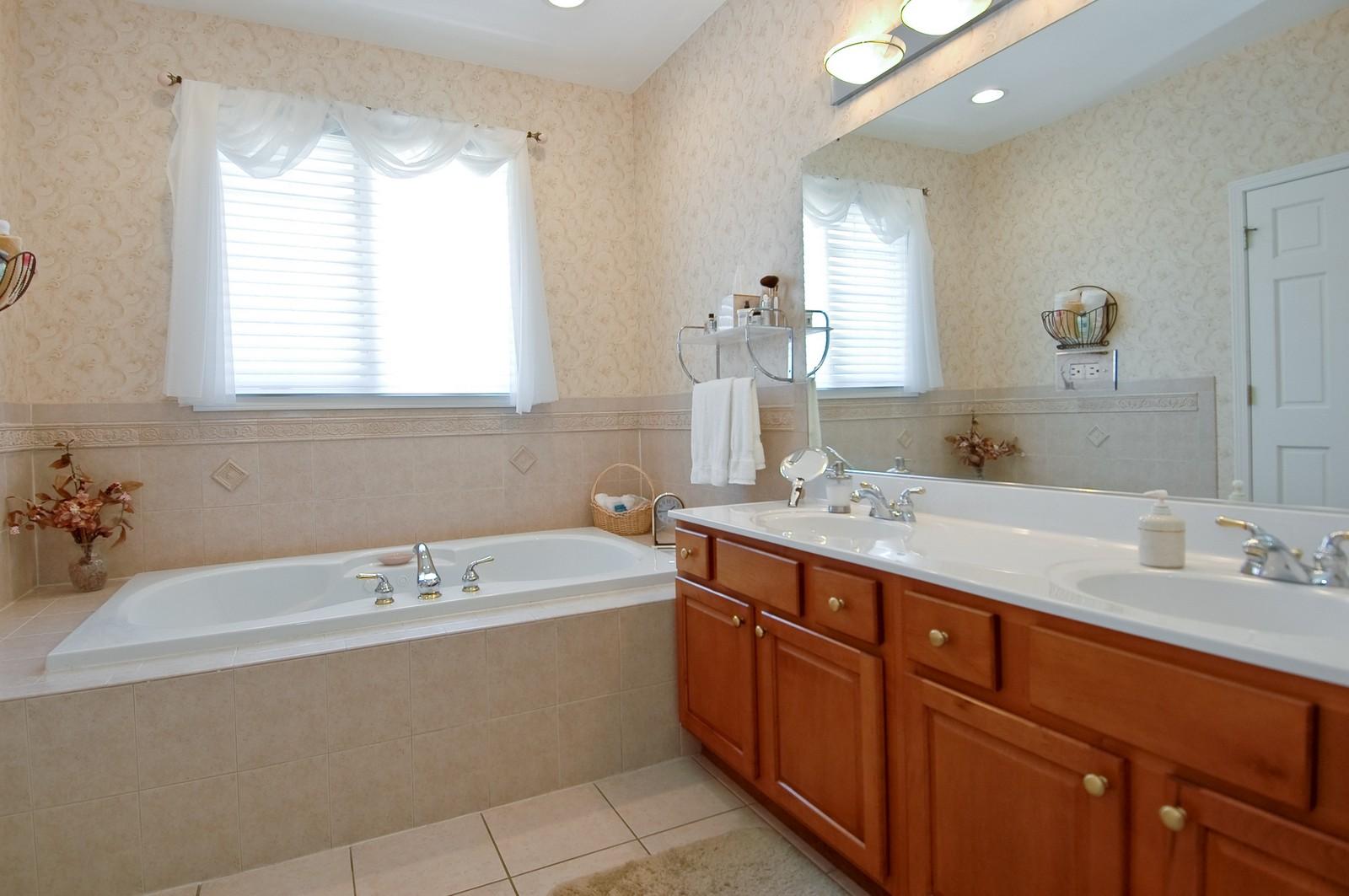 Real Estate Photography - 8719 Shade Tree Circle, Village of Lakewood, IL, 60014 - Master Bathroom