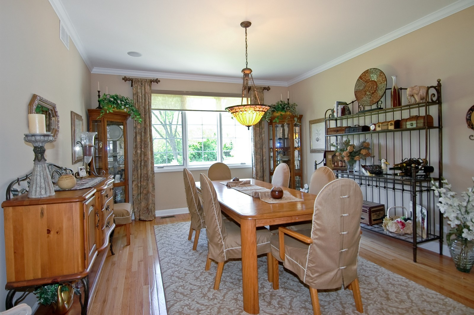 Real Estate Photography - 8719 Shade Tree Circle, Village of Lakewood, IL, 60014 - Dining Room