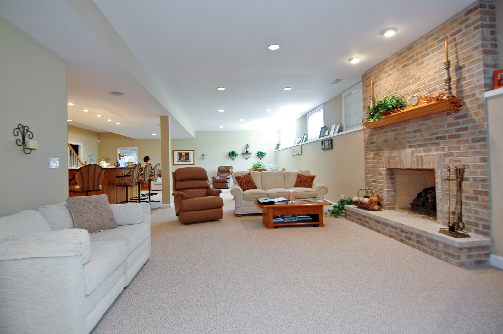 Real Estate Photography - 8719 Shade Tree Circle, Village of Lakewood, IL, 60014 - Family Room