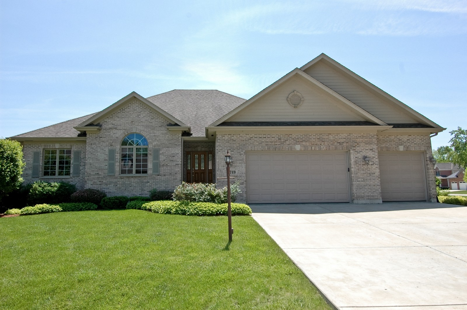 Real Estate Photography - 8719 Shade Tree Circle, Village of Lakewood, IL, 60014 - Front View