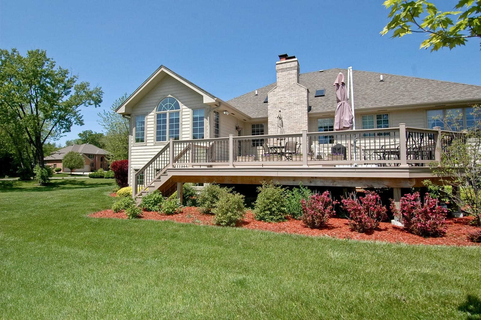 Real Estate Photography - 8719 Shade Tree Circle, Village of Lakewood, IL, 60014 - Rear View