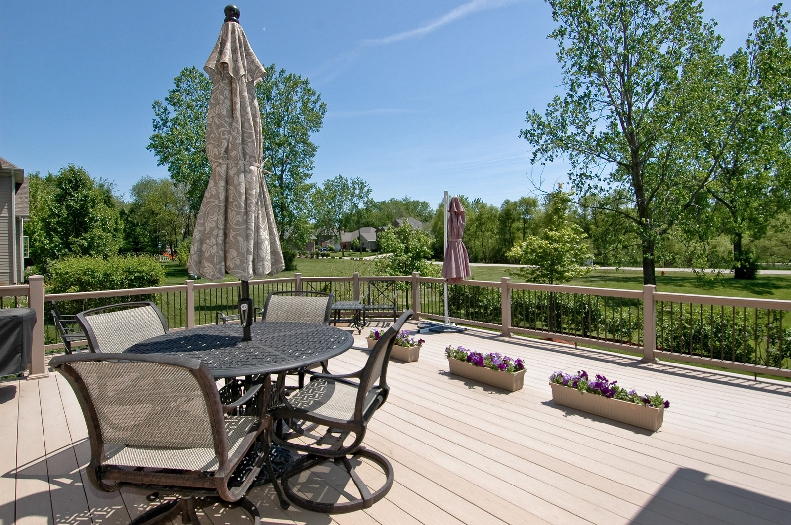 Real Estate Photography - 8719 Shade Tree Circle, Village of Lakewood, IL, 60014 - Deck