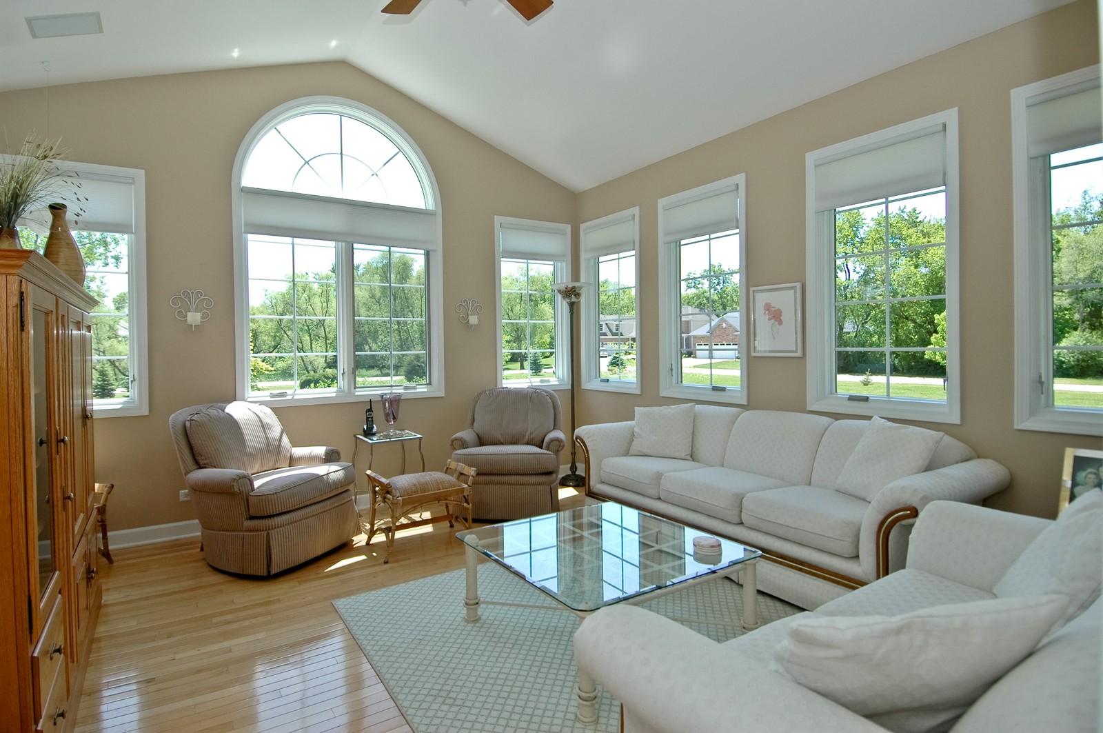 Real Estate Photography - 8719 Shade Tree Circle, Village of Lakewood, IL, 60014 - Sun Room
