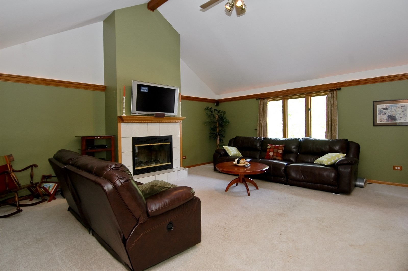 Real Estate Photography - 4915 Raintree Court, Johnsburg, IL, 60051 - Living Room