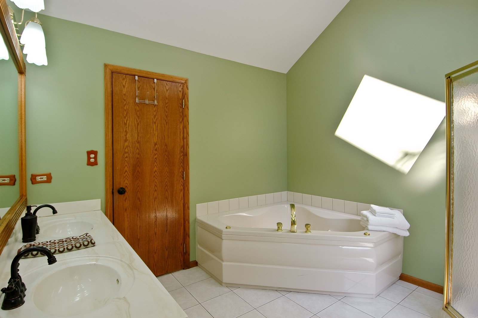 Real Estate Photography - 4915 Raintree Court, Johnsburg, IL, 60051 - Master Bathroom