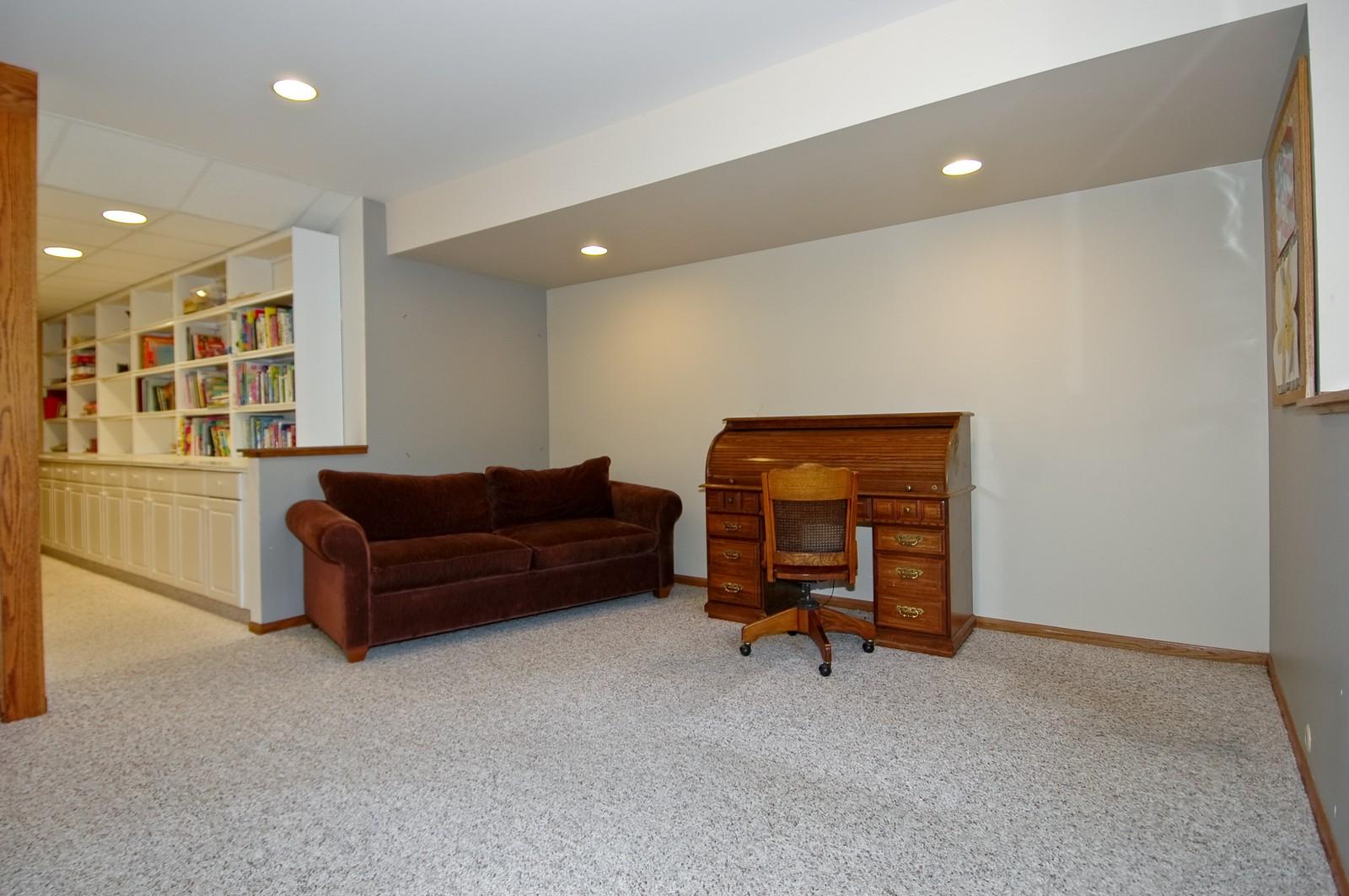 Real Estate Photography - 4915 Raintree Court, Johnsburg, IL, 60051 - Bonus Area