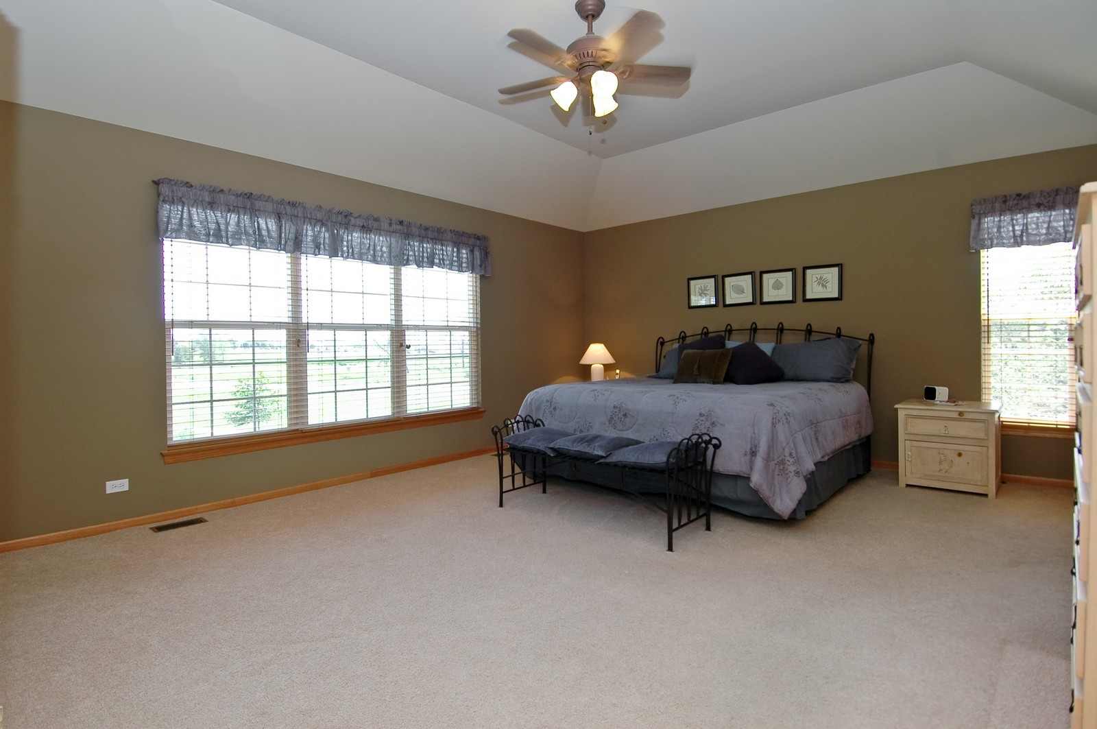 Real Estate Photography - 750 Saratoga Circle, Algonquin, IL, 60102 - Master Bedroom