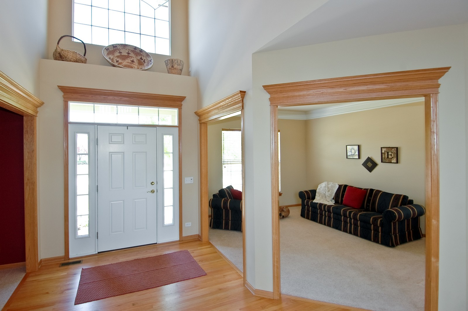 Real Estate Photography - 750 Saratoga Circle, Algonquin, IL, 60102 - Foyer/Living Room
