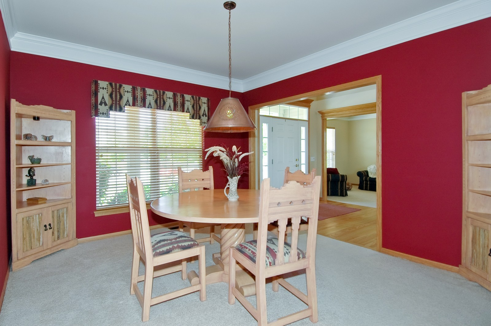 Real Estate Photography - 750 Saratoga Circle, Algonquin, IL, 60102 - Dining Room