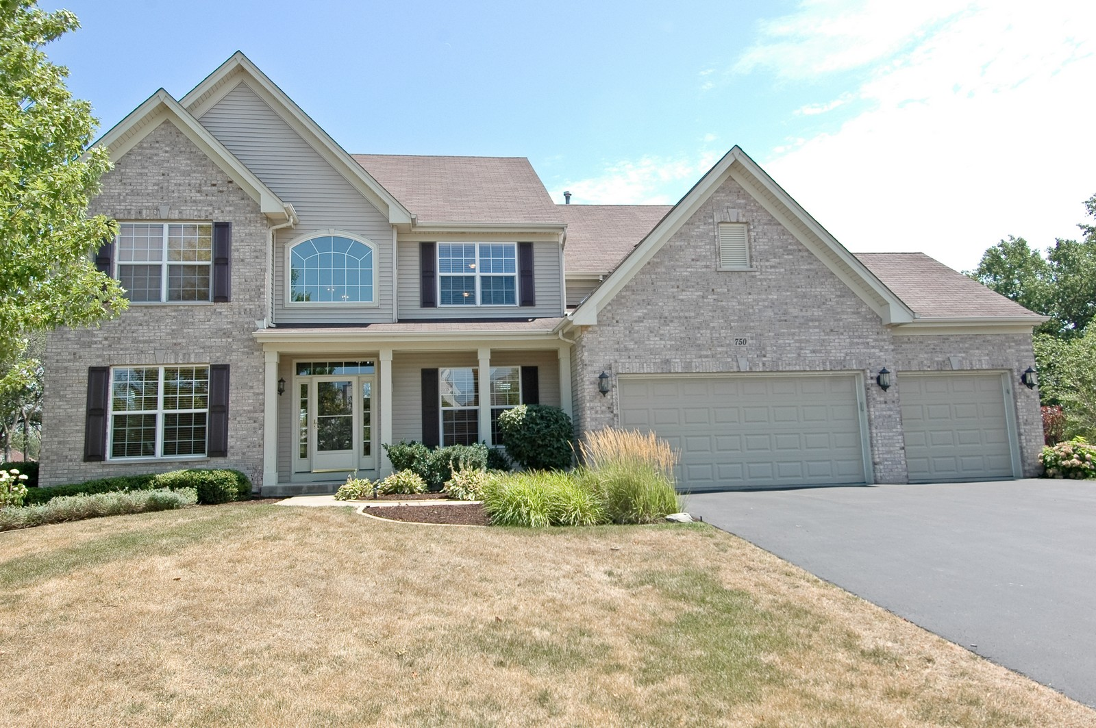 Real Estate Photography - 750 Saratoga Circle, Algonquin, IL, 60102 - Front View