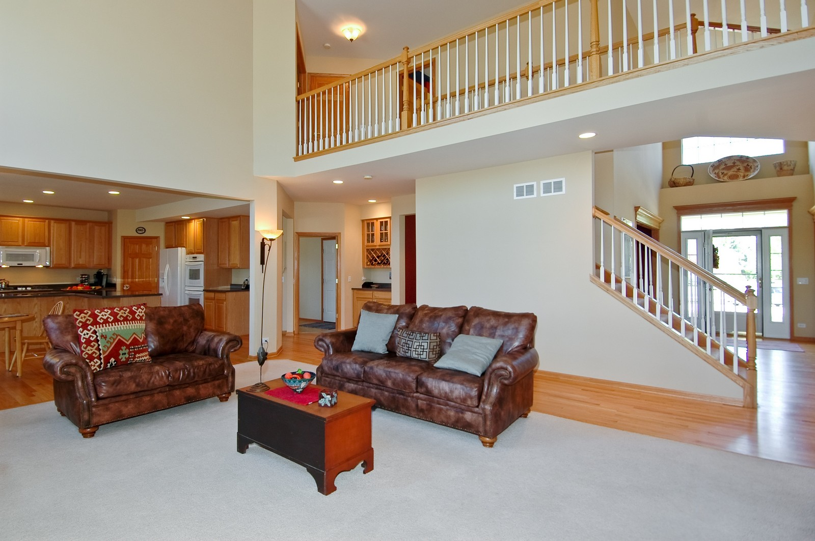 Real Estate Photography - 750 Saratoga Circle, Algonquin, IL, 60102 - Family Room / Kitchen