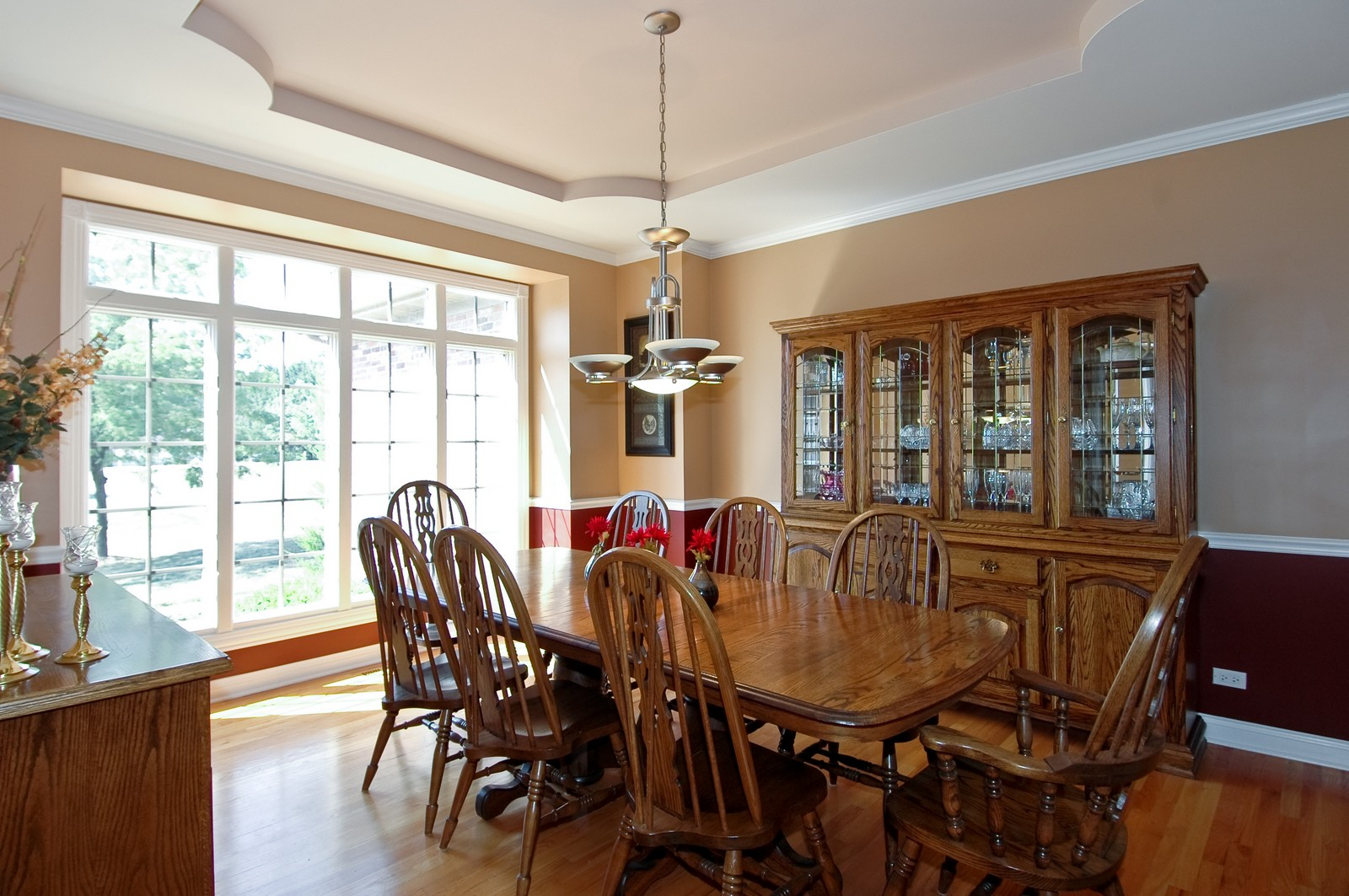 Real Estate Photography - 40W960 Chippewa Pass, Elgin, IL, 60124 - Dining Room with Tray Ceiling