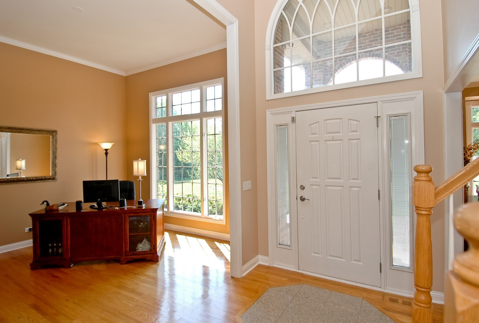 Real Estate Photography - 40W960 Chippewa Pass, Elgin, IL, 60124 - Dramatic 2 Story Foyer & Living Room w/12' Ceiling