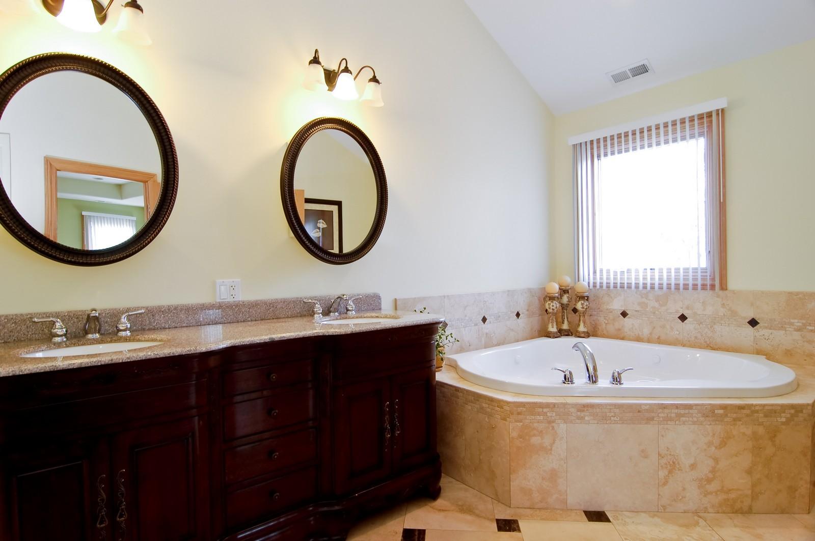 Real Estate Photography - 457 Ellis, Bensenville, IL, 60106 - Master Bathroom