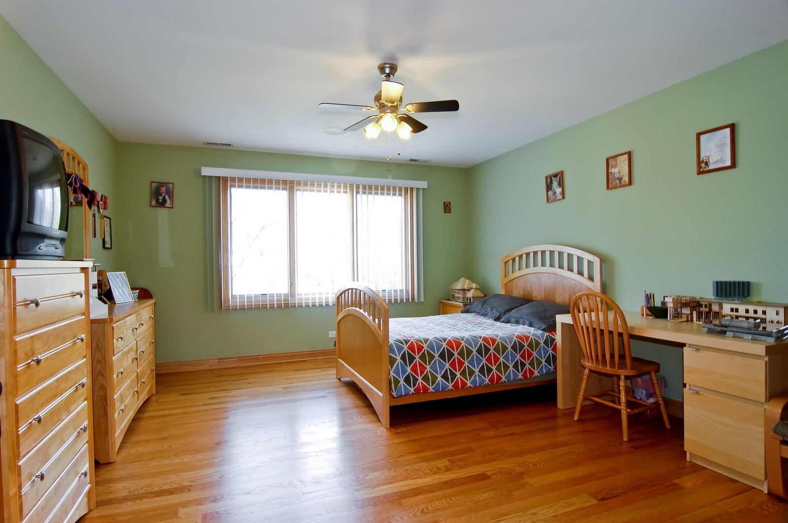 Real Estate Photography - 457 Ellis, Bensenville, IL, 60106 - Guest Bedroom