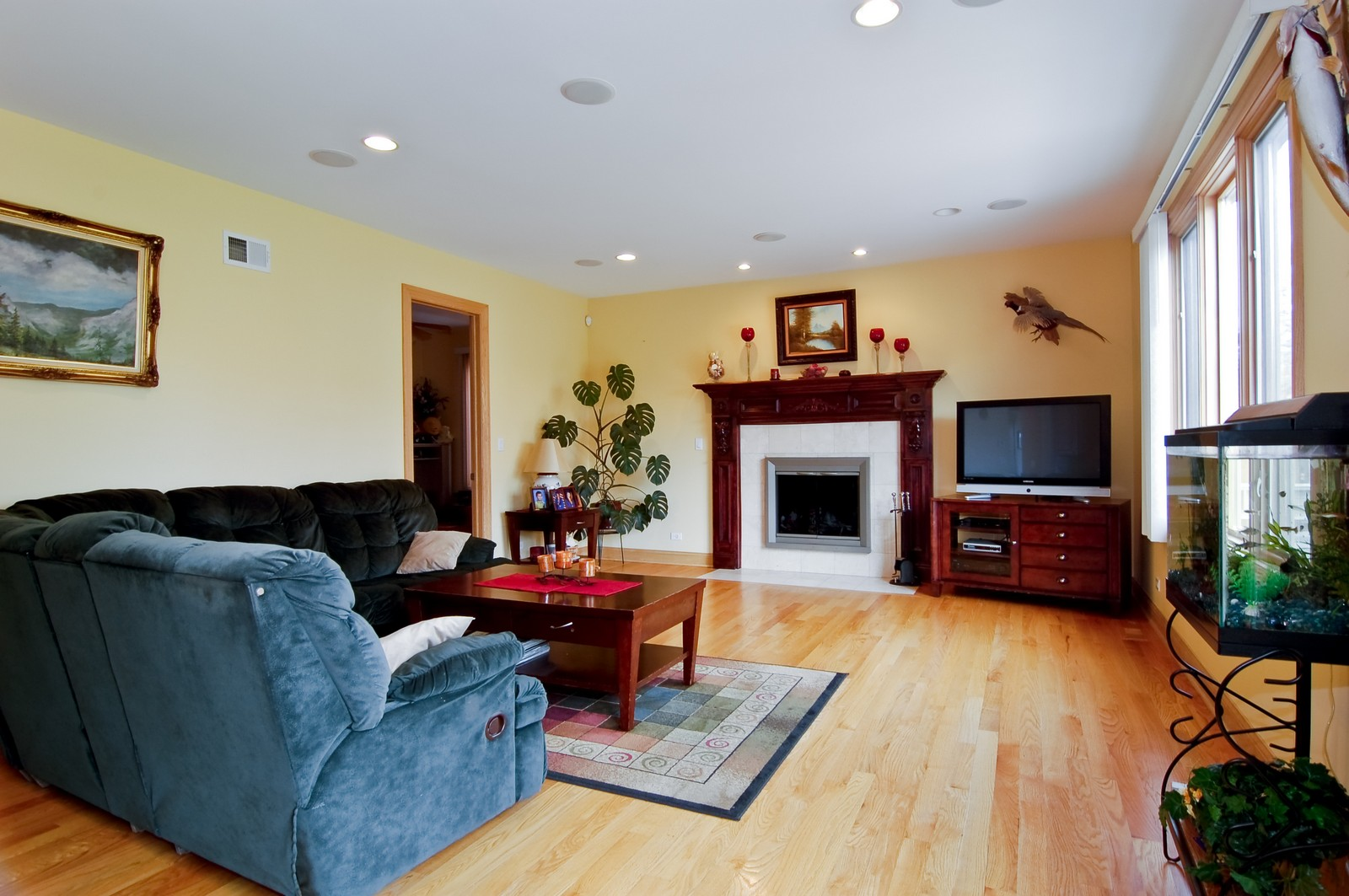 Real Estate Photography - 457 Ellis, Bensenville, IL, 60106 - Family Room