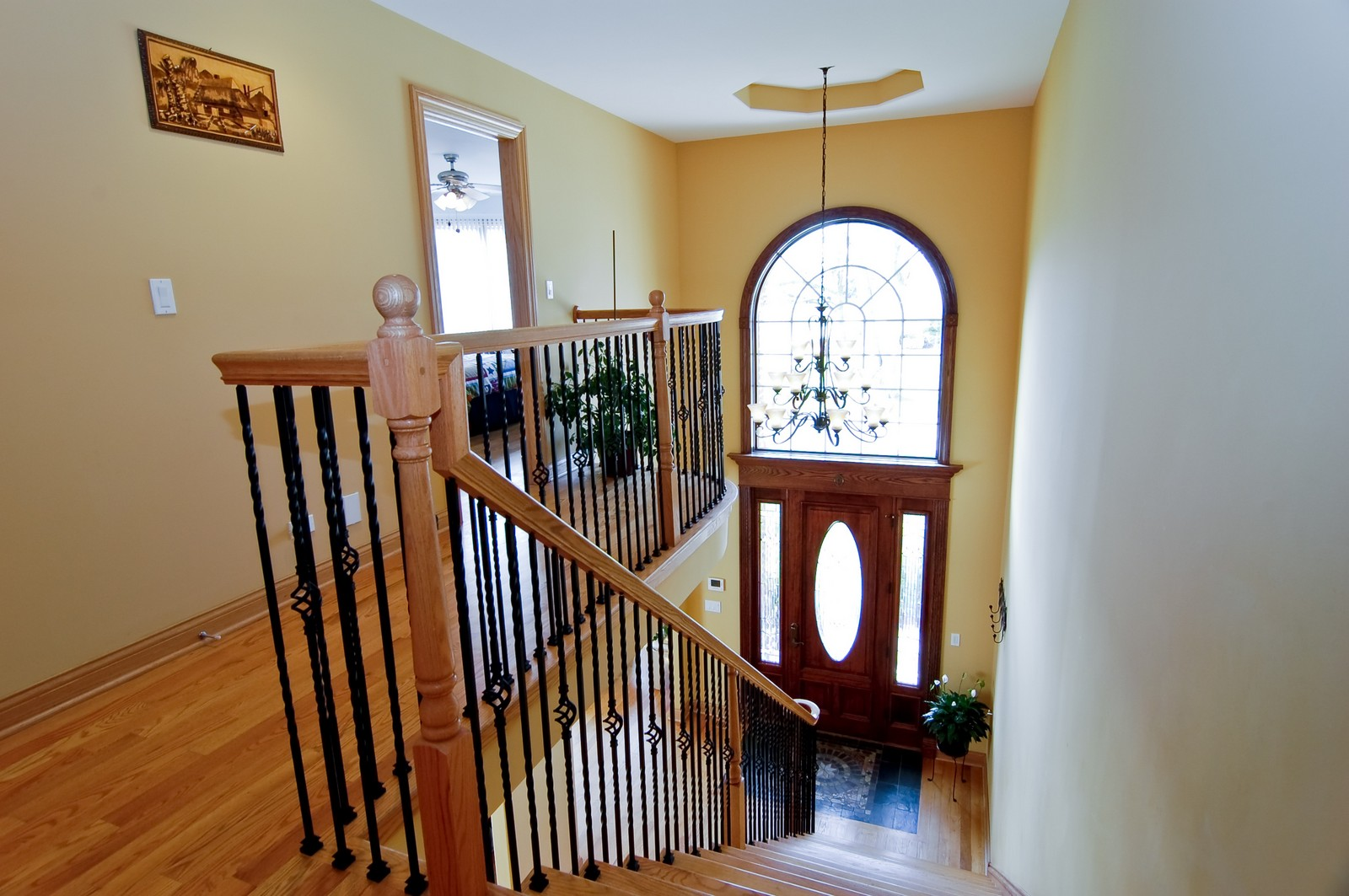 Real Estate Photography - 457 Ellis, Bensenville, IL, 60106 - Foyer