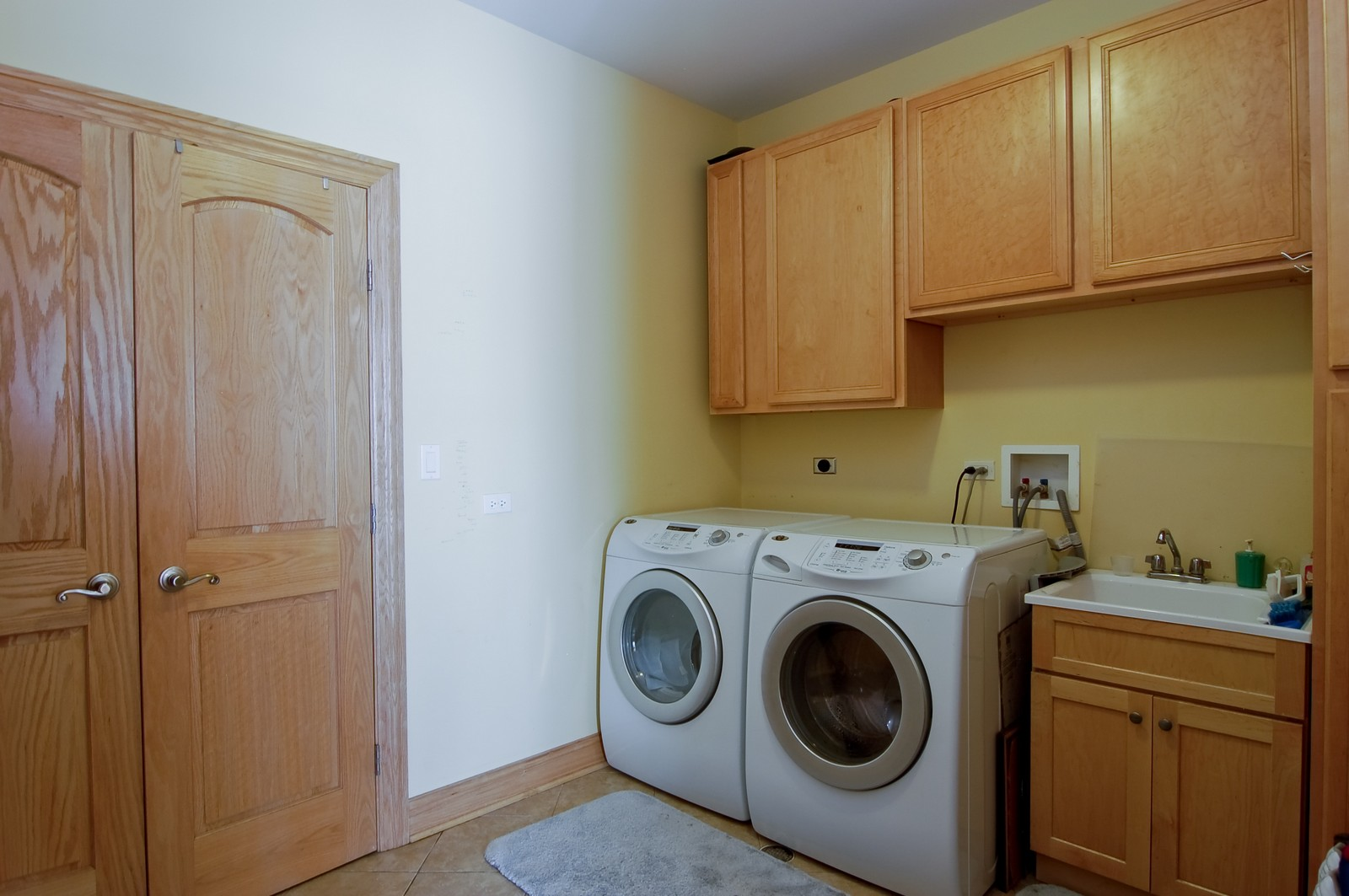 Real Estate Photography - 457 Ellis, Bensenville, IL, 60106 - Laundry Room