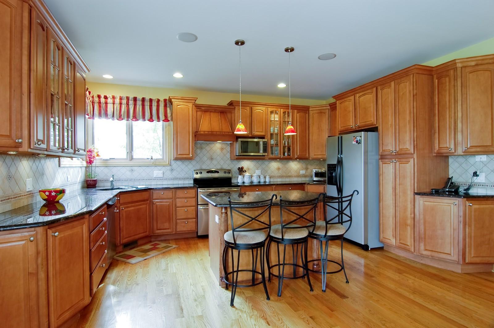 Real Estate Photography - 457 Ellis, Bensenville, IL, 60106 - Kitchen