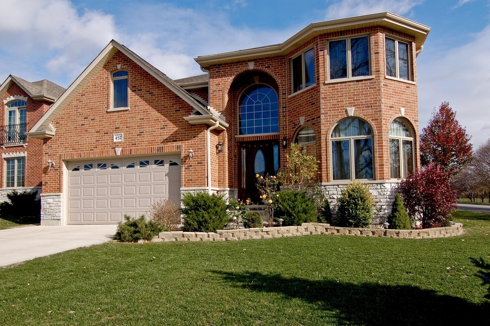 Real Estate Photography - 457 Ellis, Bensenville, IL, 60106 - Front View