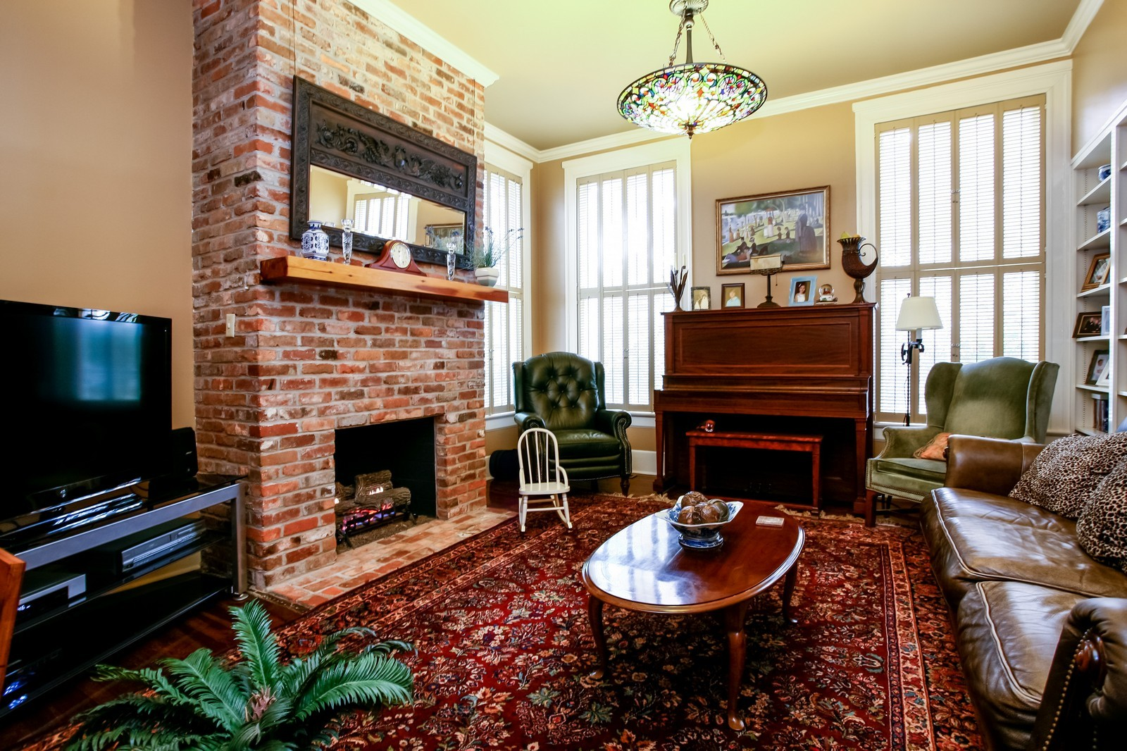 Real Estate Photography - 414 N 14th St, Lanett, AL, 36863 - Family Room